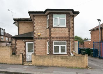 Thumbnail 2 bedroom detached house to rent in Brookscroft Road, London