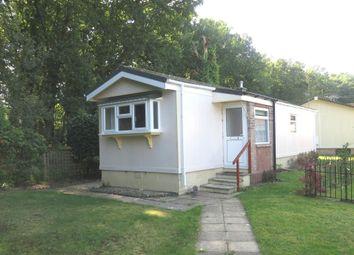 2 bed mobile/park home for sale in Gladelands Park, Ringwood Road, Ferndown BH22