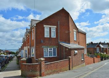 Thumbnail 1 bed flat for sale in Alexandra Road, Cowes
