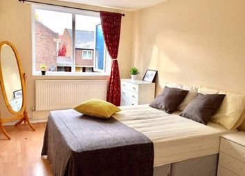 Thumbnail 5 bed flat to rent in Campbell Road, London