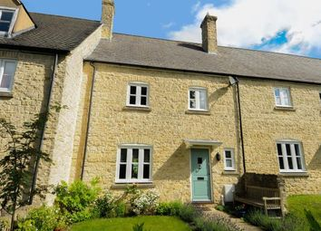 Thumbnail 3 bed terraced house for sale in London Road, Chipping Norton