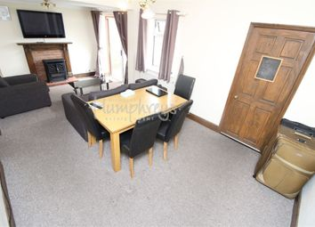 Room to rent in Shaftesbury Road, Reading RG30