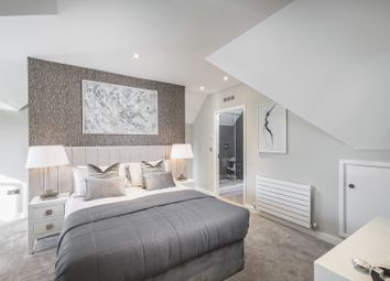 Thumbnail 2 bedroom terraced house for sale in Southdown Road, Harpenden