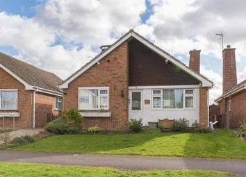 Thumbnail 4 bed detached bungalow for sale in Vale Avenue, Grove, Wantage