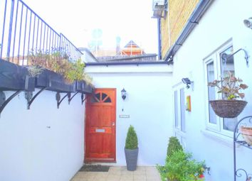 Thumbnail 2 bed flat to rent in Chestnut Road, Kingston Upon Thames