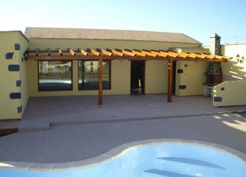 Thumbnail 2 bed villa for sale in Spain, Fuerteventura, La Oliva, Lajares