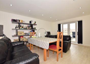 Yellowpine Way, Chigwell, Essex IG7. 2 bed flat