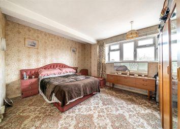 Heath Grove, London SE20. 3 bed flat for sale