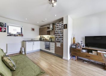 Thumbnail Studio to rent in Heath Place, London