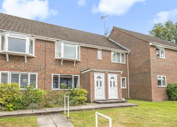 Barracane Drive, Crowthorne, Berkshire. RG45. 2 bed maisonette