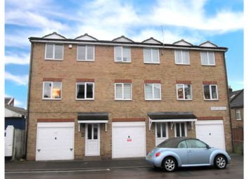 3 bed end terrace house for sale in Montfort Road, Strood, Rochester ME2