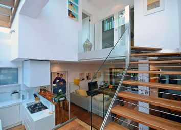 Thumbnail 3 bedroom property for sale in Canonbury Road, Islington