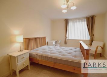 2 bed flat to rent in Cheapside, Brighton BN1