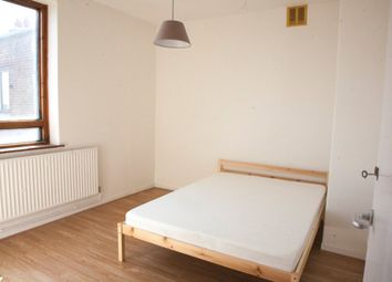 3 bed property to rent in Warwick Grove, Clapton, London E5