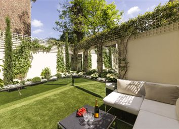 Thumbnail 3 bed flat for sale in Flood Street, London