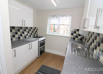 Thumbnail 2 bed flat to rent in Hoxton Road, Torquay