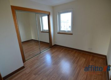 Thumbnail 2 bed flat to rent in Glenfarg Crescent, Cowdenbeath