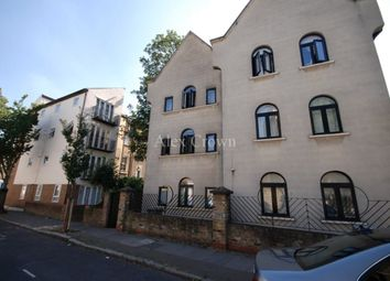 Thumbnail 6 bed terraced house to rent in Kiver Road, London