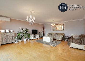 2 bed flat for sale in Goat Wharf, Ferry Quays, Brentford TW8