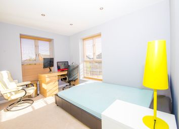 Thumbnail 2 bed flat to rent in Gatcombe Road, London