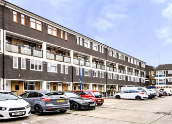3 bed flat to rent in Whitton Walk, London E3