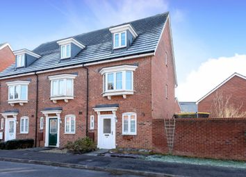 Thumbnail 3 bed town house to rent in Kennet Heath, Thatcham