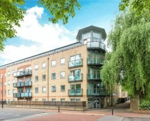 Thumbnail 2 bed flat to rent in Patina Walk, Surrey Quays