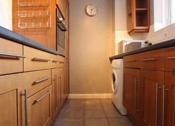 Thumbnail 2 bed flat to rent in Palmeira Avenue, Hove, East Sussex
