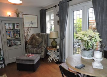 Thumbnail 1 bed cottage for sale in High Street, Lane End, High Wycombe