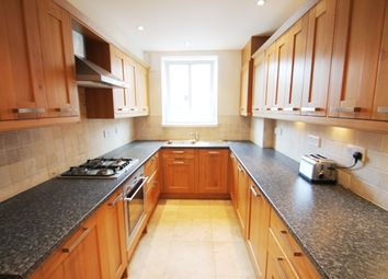 Thumbnail 3 bed flat to rent in Newcomen Street, Borough