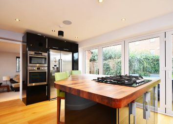Thumbnail 3 bed property to rent in Sandalwood, Guildford