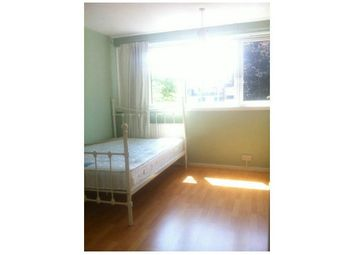Thumbnail Room to rent in Rolls Road, London