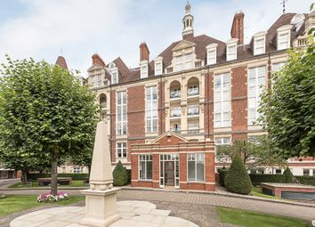 Thumbnail 3 bedroom flat to rent in Frognal Rise, London