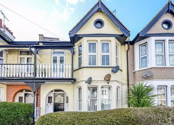 2 bed flat for sale in Plas Newydd, Southend-On-Sea SS1