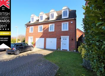 4 bed town house for sale in Rectory Garth, Rayleigh SS6