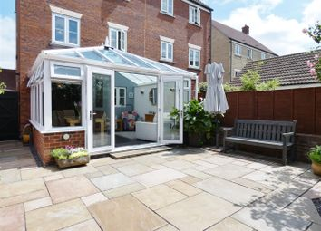 Thumbnail 4 bed property for sale in Linnet Road, Calne