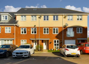 4 bed property for sale in Yoxall Mews, Redhill RH1