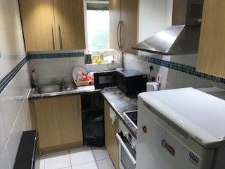 Thumbnail Room to rent in 301 Cricklewood Broadway, London
