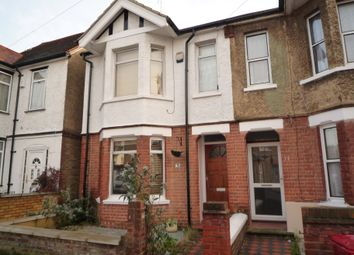 Thumbnail Room to rent in Henry Road, Slough