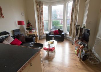 Thumbnail 4 bed flat to rent in Flat 1, 14 Kelso Road, Hyde Park
