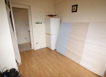 Thumbnail Studio to rent in Great Cambridge Road, London