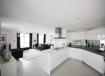 Thumbnail 2 bed flat to rent in Bezier Apartments, 91 City Road, Old Street, London