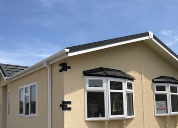 Thumbnail 2 bed mobile/park home for sale in Compasses Mobile Home Park, Alfold, Cranleigh