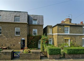 Thumbnail 3 bedroom terraced house for sale in Hertford Road, De Beauvoir