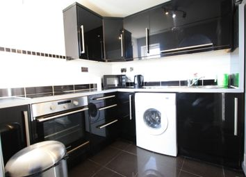 Thumbnail 1 bed flat to rent in Woodgate Drive, Streatham