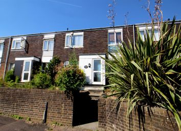 3 bed property to rent in Downland Drive, Crawley RH11