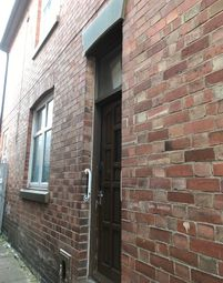 3 bed terraced house to rent in Sutherland Street, Leicester LE2