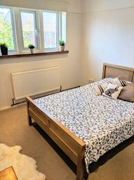 Thumbnail Room to rent in Linkway, London