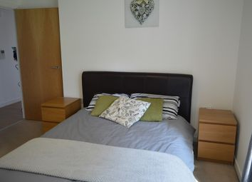 Thumbnail Room to rent in Barge Walk, London