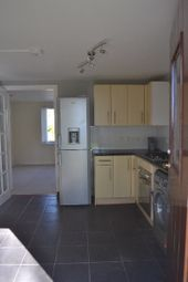 2 bed flat to rent in Victoria Street, Newport-On-Tay, Fife DD6